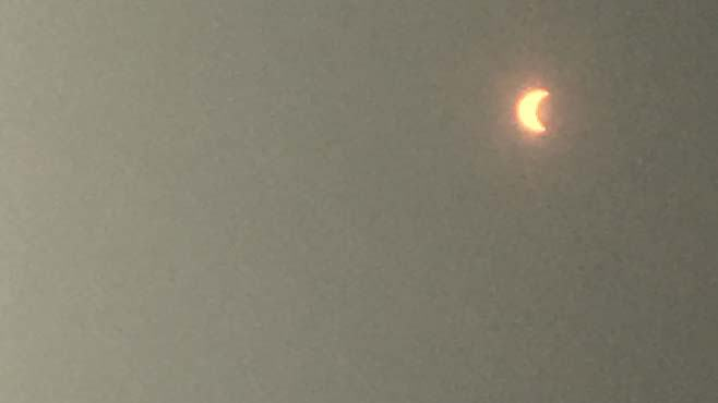 solar-eclipse-in-the-valley-7